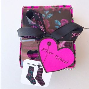 BETSEY JOHNSON 2-PAIR SOCK GIFT PACK SZ 9-11 NWT